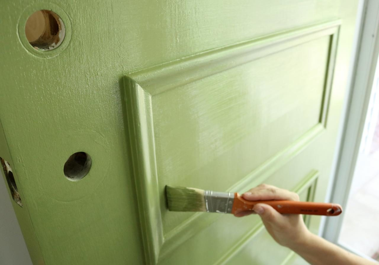 Original-Emily-Fazio_paint-front-door_remove-stippling2.JPG.rend.hgtvcom.1280.960